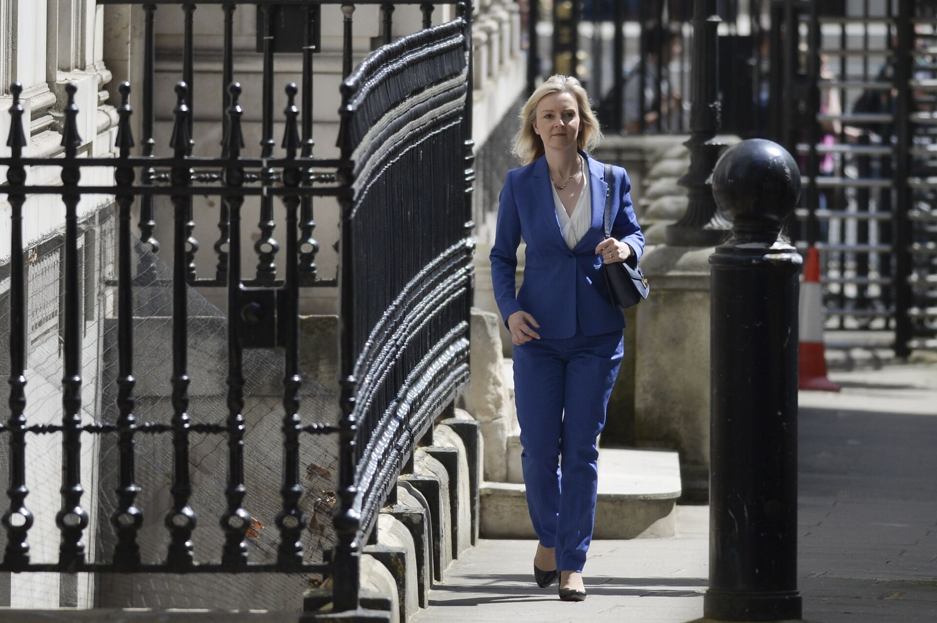 Conservative politician Liz Truss, who served as Environment Secretary under David Cameron, arrives at 10 Downing Street in central London on July 14, 2016 as cabinet appointments by new prime minister Theresa May are expected on her first full day in office - Sputnik International, 1920, 16.09.2021