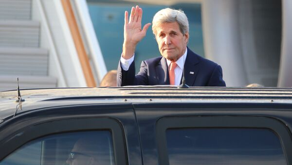 US Secretary of State John Kerry arrives at Vnukovo 2 airport as he makes a visit to Moscow - Sputnik International