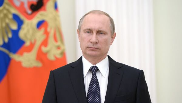 Russian president Vladimir Putin has expressed his condolences to president Hollande and French people vie TV address after deadly truck attack in Nice. - Sputnik International