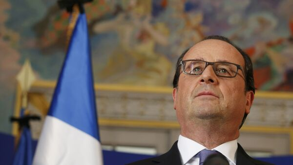 French President Francois Hollande speaks to journalists at the Prefectoral Palace the day after the Bastille Day truck attack, in Nice, France, July 15, 2016. - Sputnik International