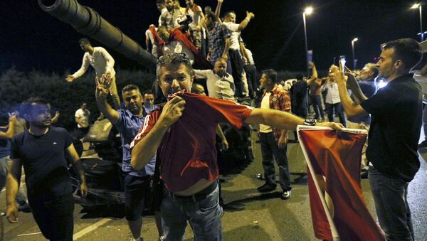 Outside Ataturk Airport In Istanbul People Stand On A Turkish Army Tank - Sputnik International