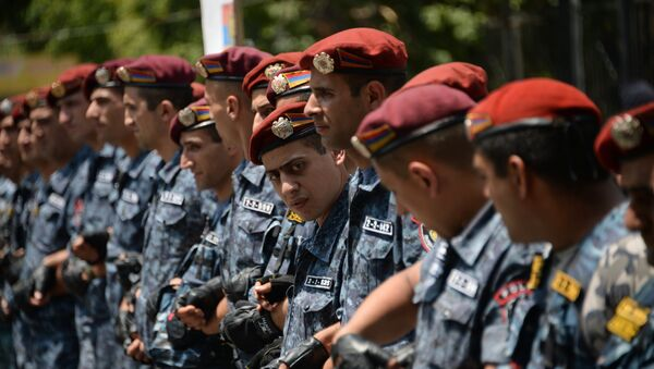 Police officers during a protest rally in Yerevan. - Sputnik International