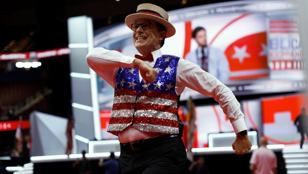 Television host Stephen Colbert records a skit on the floor of the Republican National Convention in Cleveland, Ohio, U.S., July 17, 2016 - Sputnik International
