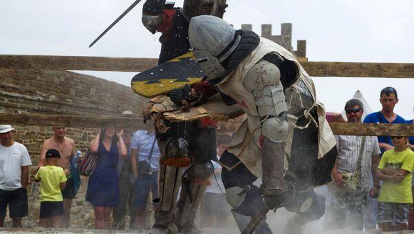 Let's Get Medieval! A Look at Historic 'Genoa Helmet' Knight Festival in Crimea - Sputnik International