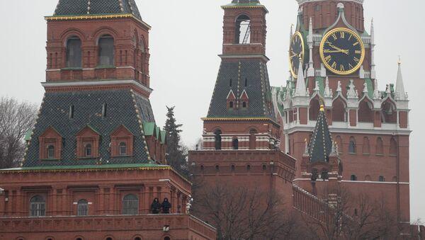 The Moscow Kremlin towers as seen from Bolshoy Moskvoretsky Bridge - Sputnik International