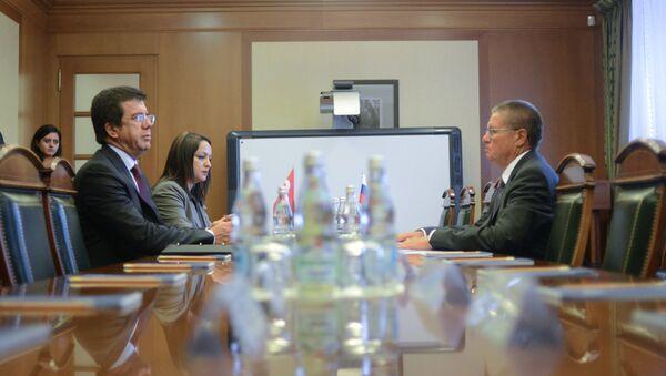 Russian Minister of Economic Development Alexei Ulyukayev meets with Turkish Economy Minister Nihat Zeybekci (File) - Sputnik International