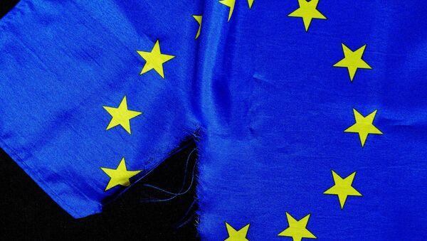 Torn EU flag - Sputnik International