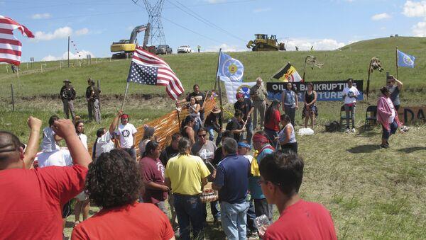 Lakota Activists and Supporters Protest Construction of the Dakota Access Pipeline in North Dakota - Sputnik International