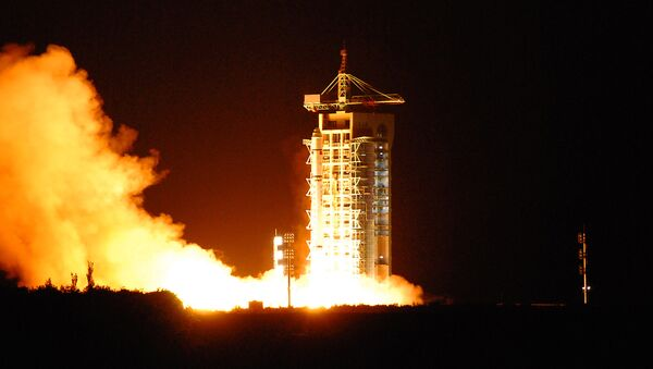 China's quantum satellite - nicknamed Micius after a 5th century BC Chinese scientist - blasts off from the Jiuquan satellite launch centre in China's northwest Gansu province on August 16, 2016 - Sputnik International