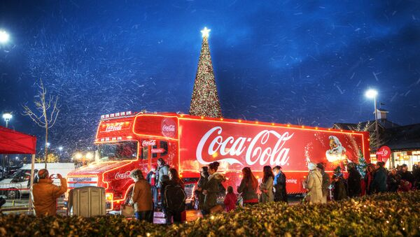 British Politician Calls for Ban of Coca Cola's Christmas Truck from City Over Obesity Concerns - Sputnik International