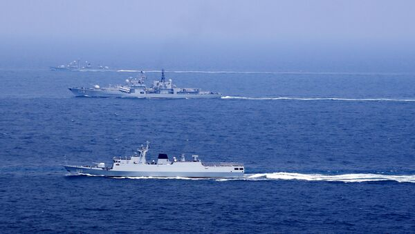 Chinese naval vessels participate in a drill on the East China Sea, China, August 1, 2016. Picture taken August 1, 2016 - Sputnik International