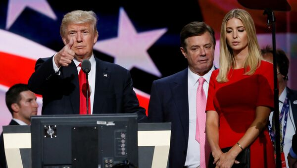 Republican presidential nominee Donald Trump gives a thumbs up as his campaign manager Paul Manafort (C) and daughter Ivanka (R) look on during Trump's walk through at the Republican National Convention in Cleveland, U.S., July 21, 2016 - Sputnik International