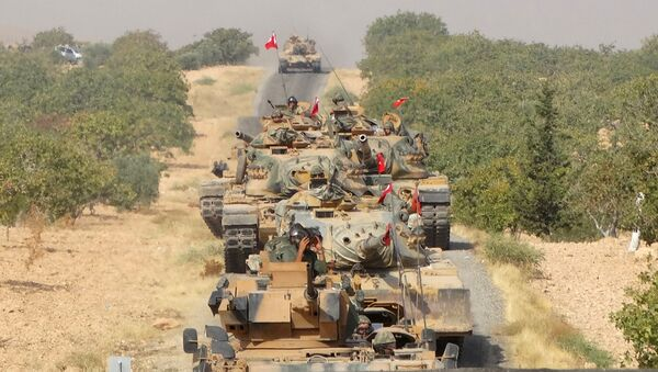 Turkish army tanks make their way towards the Syrian border town of Jarabulus, Syria August 24, 2016 - Sputnik International