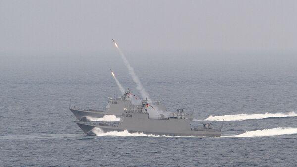 Taiwan's Kuang Hua VI-class missile boats launch HF-2 anti-ship missiles during Han Kuang military exercises in Penghu county, Taiwan, April. 17, 2013 - Sputnik International