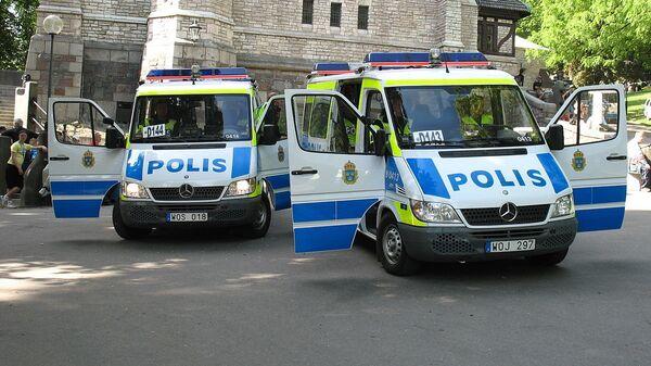 Two Swedish police vans - Sputnik International