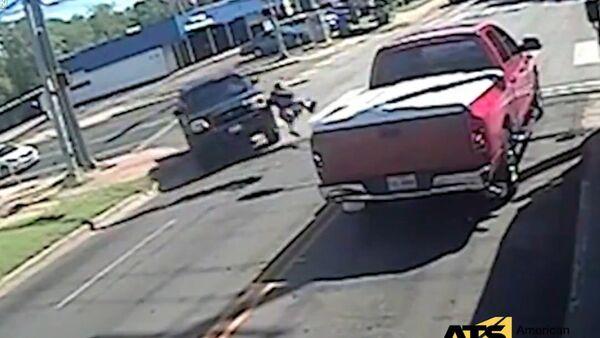 Texas Kid Falls Victim to Hit-and-Run Driver - Sputnik International
