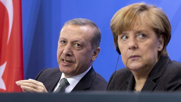 Recep Tayyip Erdogan and Angela Merkel - Sputnik International