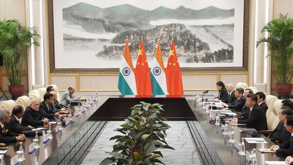 Indian Prime Minister Narendra Modi (3rd L) meets with Chinese President Xi Jinping (center R) at the West Lake State Guest House ahead of G20 Summit in Hangzhou, Zhejiang province, China, September 4, 2016. - Sputnik International