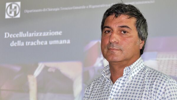 In this file photo dated Friday, July 30, 2010, Dr. Paolo Macchiarini during a press conference announcing what he called the successful transplant of windpipes using innovative stem cell tissue regeneration, in Florence, Italy, Friday, July 30, 2010 - Sputnik International