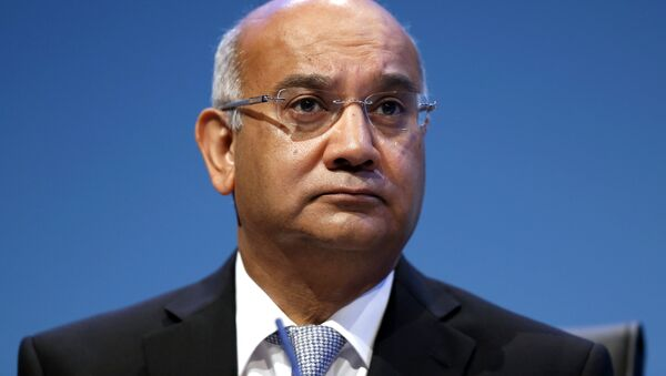 Brititish Keith Vaz, Chairman of the Home Affairs Select Committee, chairs a session during the final day of the Labour party conference in Brighton, east Sussex, south England, on September 25, 2013 - Sputnik International