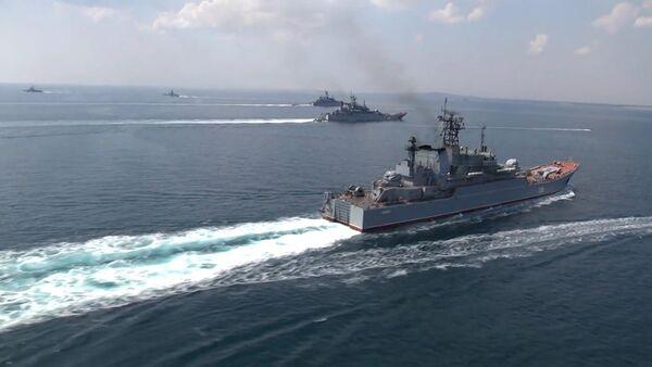 Black Sea Navy Fleet and the Caspian Flotilla took part in Kavkaz-2016' strategic troops exercise - Sputnik International