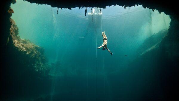 Underwater - Sputnik International