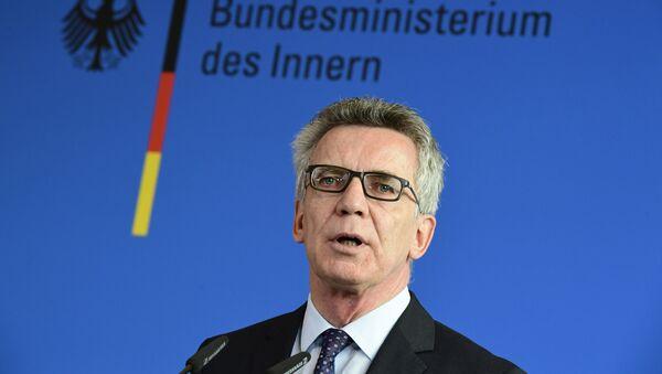 German Interior Minister Thomas de Maiziere gives a press conference on September 13, 2016 in Berlin - Sputnik International