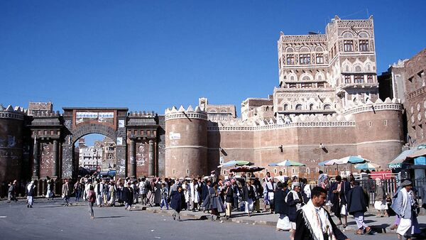 The 1,000-year-old Bab Al-Yemen (the Gate of Yemen) at the centre of the old town of Sanaa - Sputnik International