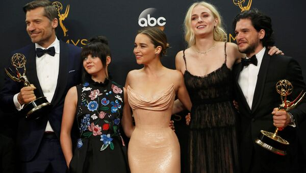 Nikolaj Coster-Waldau (L), Maisie Williams, Emilia Clarke, Sophie Turner and Kit Harrington of HBO's Game of Thrones pose backstage with their award for Oustanding Drama Series at the 68th Primetime Emmy Awards in Los Angeles, California US, September 18, 2016. - Sputnik International