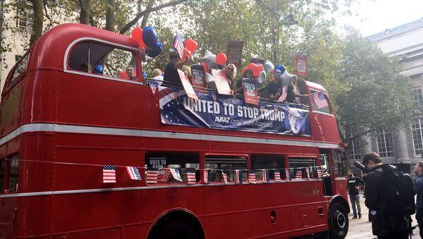 Anti-Trump bus in London - Sputnik International