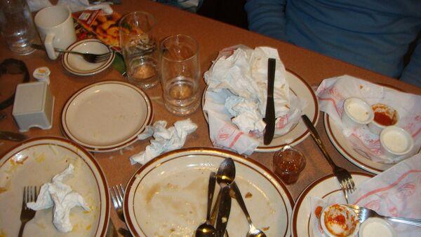 Dirty plates - Sputnik International