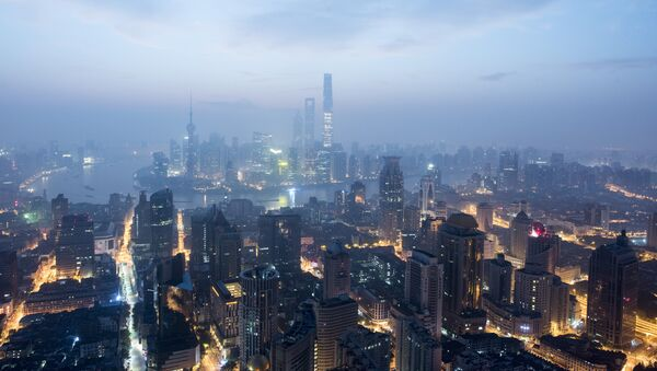 This picture taken early on September 9, 2016, shows the financial district of Pudong in Shanghai - Sputnik International