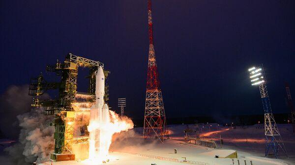 Russia's Angara-A5 rocket launched on maiden flight - Sputnik International