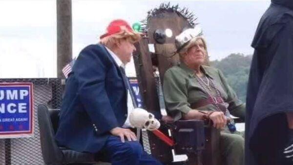 Float Depicting Trump About To Execute Hillary Clinton, Aurora, Indiana - Sputnik International