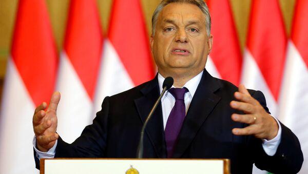 Hungarian Prime Minister Viktor Orban attends a news conference in Budapest, Hungary, October 4, 2016. - Sputnik International