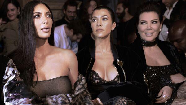 (From L) Kim Kardashian, Kourtney Kardashian and Kris Jenner - Sputnik International