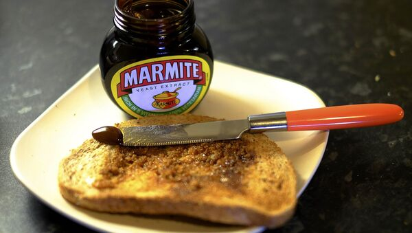 Toast with Marmite sits on a kitchen counter in Manchester, Britain October 13, 2016. - Sputnik International