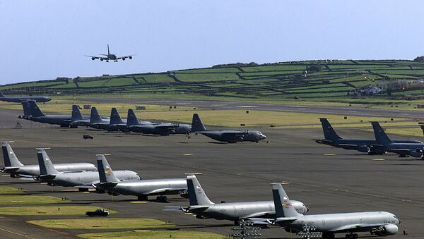 An undated file picture taken in March 2003 shows a US Air Force plane landing on the Base das Lajes, a US military base in the Portuguese archipelago of Azores. - Sputnik International
