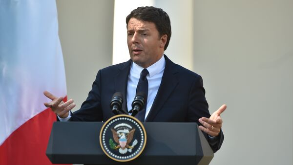 Italian Prime Minister Matteo Renzi speaks during a joint press conference with US President Barack Obama at the White House in Washington, DC, October 18, 2016 - Sputnik International