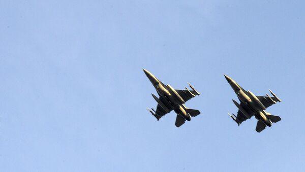 Two Belgian F-16 fighter jets. (File) - Sputnik International