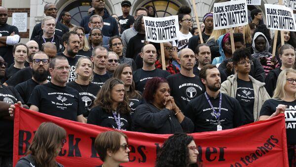 Settle Teachers Gather For Black Lives Matter At Schools Rally - Sputnik International