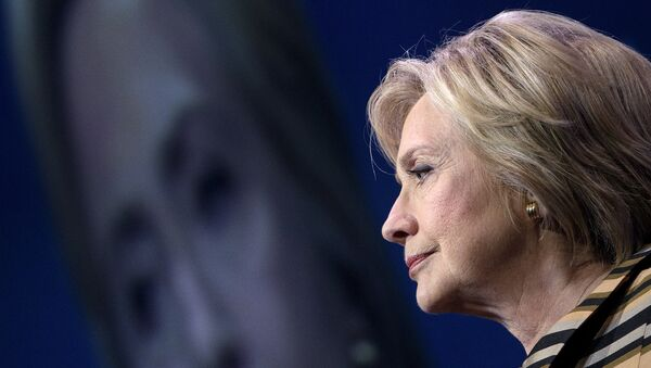 Democratic presidential nominee Hillary Clinton pauses while speaking during the Congressional Hispanic Caucus Gala September 15, 2016 in Washington. - Sputnik International