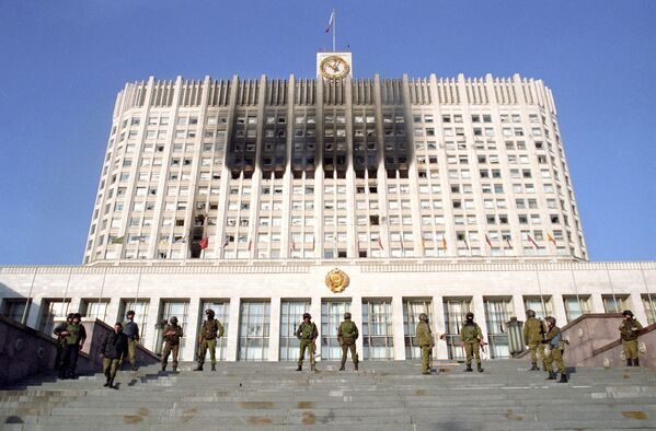 Soldiers of the Alpha special troop control the entrance to the Supreme Council building in October 1993. Alpha was one of the Soviet and Russian special forces units of the Ministry of Internal Affairs.Soldiers of the Alpha special troop control the entrance to the Supreme Council building in October 1993. Alpha was one of the Soviet and Russian special forces units of the Ministry of Internal Affairs. - Sputnik International