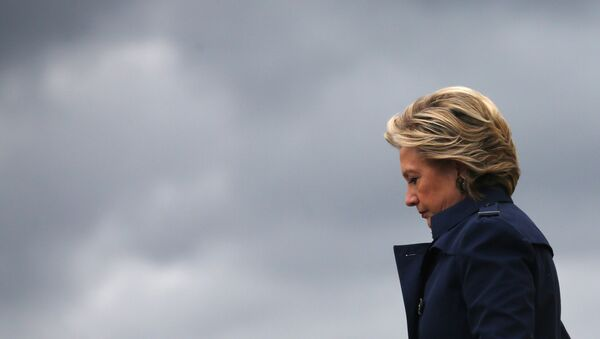 US Democratic presidential nominee Hillary Clinton arrives at Burke Lakefront airport in Cleveland, Ohio US, October 21, 2016. - Sputnik International