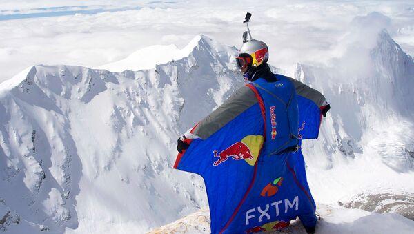Valery Rozov - Himalaya Record Jump 2016 - Sputnik International