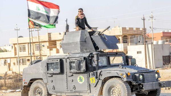 A Yazidi fighter taking part in the Iraqi army's operation to liberate Mosul - Sputnik International
