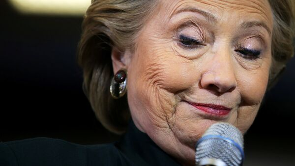 US Democratic presidential nominee Hillary Clinton pauses as she speaks at a campaign event in Cleveland, Ohio U.S., October 21, 2016. - Sputnik International