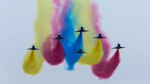 China's J-10 fighter jets perform during an air show, the 11th China International Aviation and Aerospace Exhibition in Zhuhai, Guangdong Province, China November 1, 2016. - Sputnik International