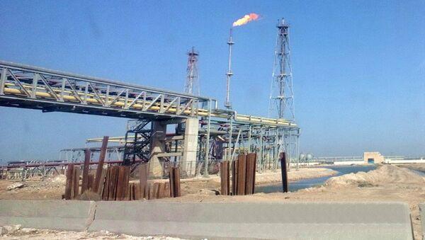 Oil refinery at lake Mariout close to Alexandria, Egypt - Sputnik International