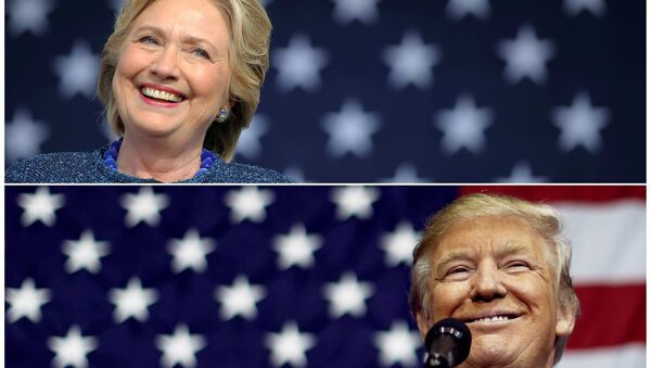 U.S. presidential nominees Hillary Clinton (top) and Donald Trump speak at campaign rallies in Cedar Rapids, Iowa, U.S. October 28, 2016 and Delaware, Ohio October 20, 2016 in a combination of file photos. - Sputnik International